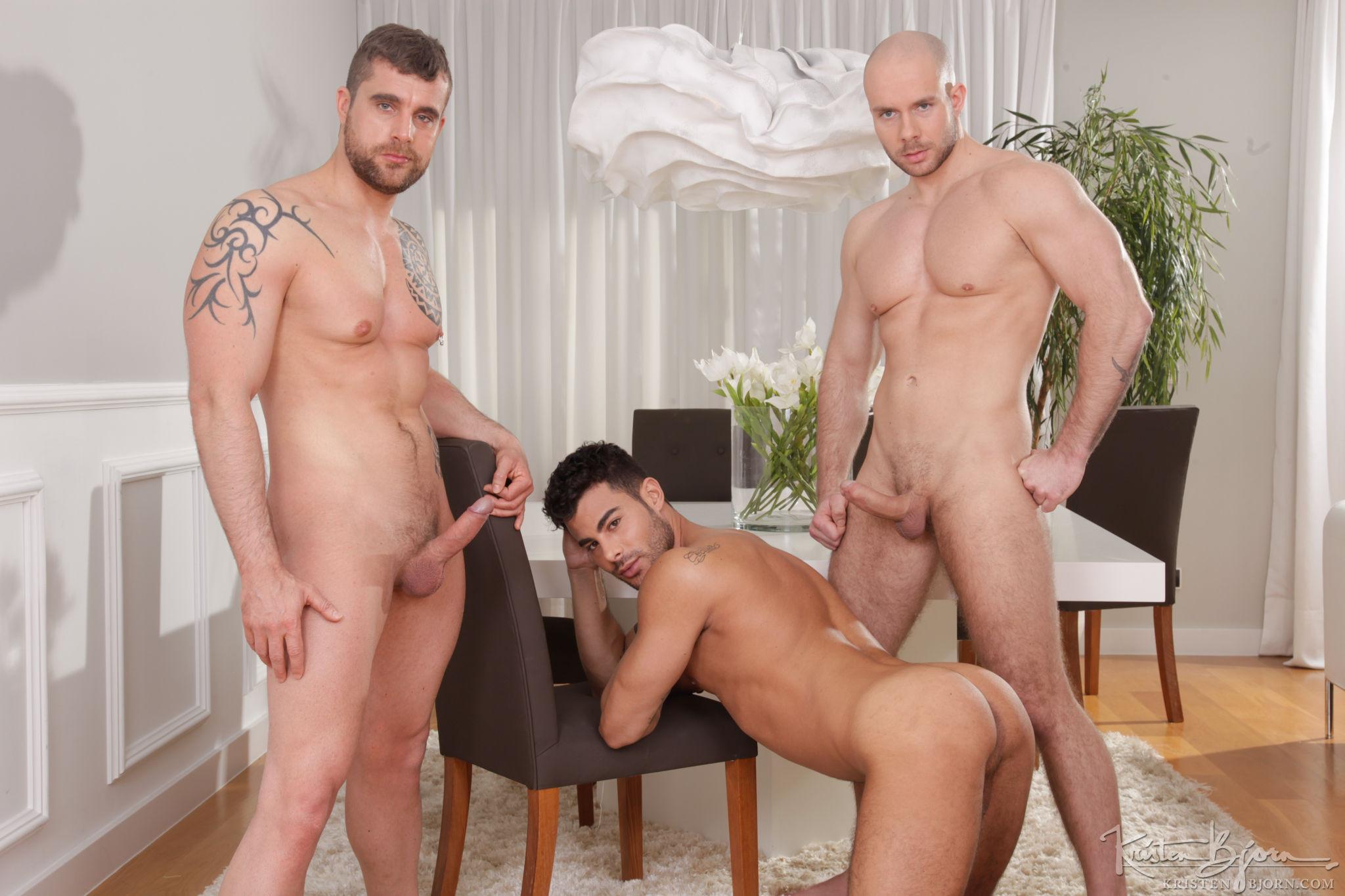 Skins: 3Some – Isaac Eliad, Jared, Marek Borek